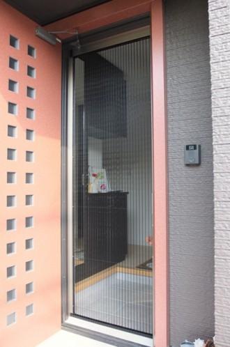 玄関網戸 しまえるんです 玄関ドア 網戸 リフォーム